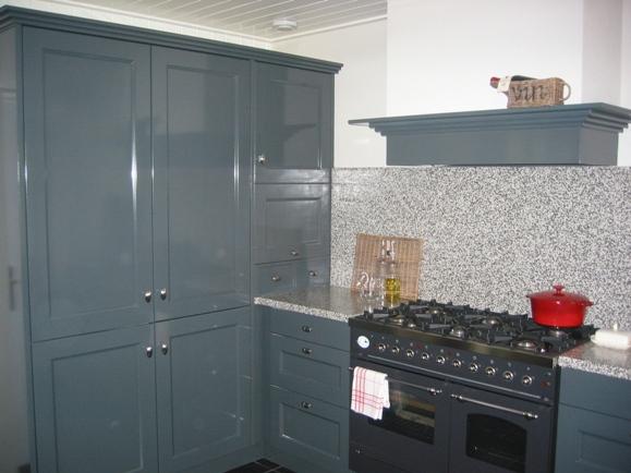 Keuken Blauw Grijs : handgeschilderde keuken – Keukenstudio Regio Oost Rijssen