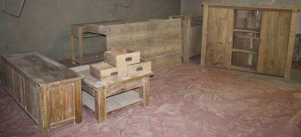 Stralen van teakhouten meubels